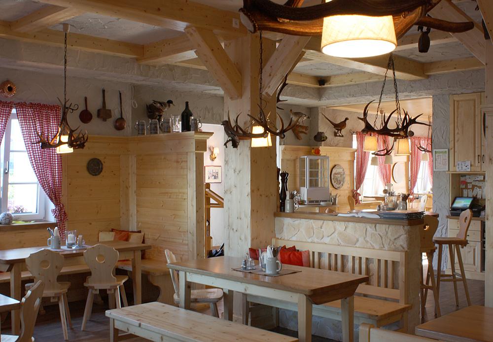 essecken georg brandstetter schreinerei innenausbau in volkenschwand. Black Bedroom Furniture Sets. Home Design Ideas